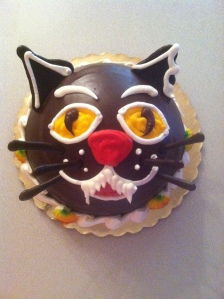 cat_shaped_cake