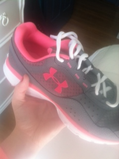 under_armor_pink_shoes