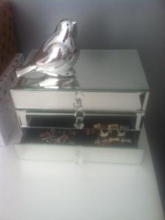 mirrored_jewelry_box