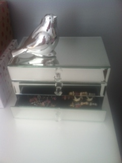 mirrored_jewelry_box