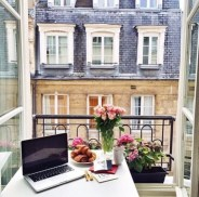 laptop_and_flowers