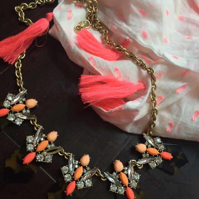statement jewelry preppy