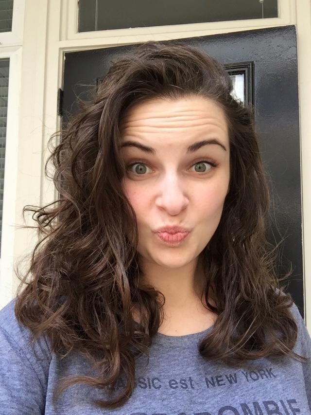 wavy brunette hair