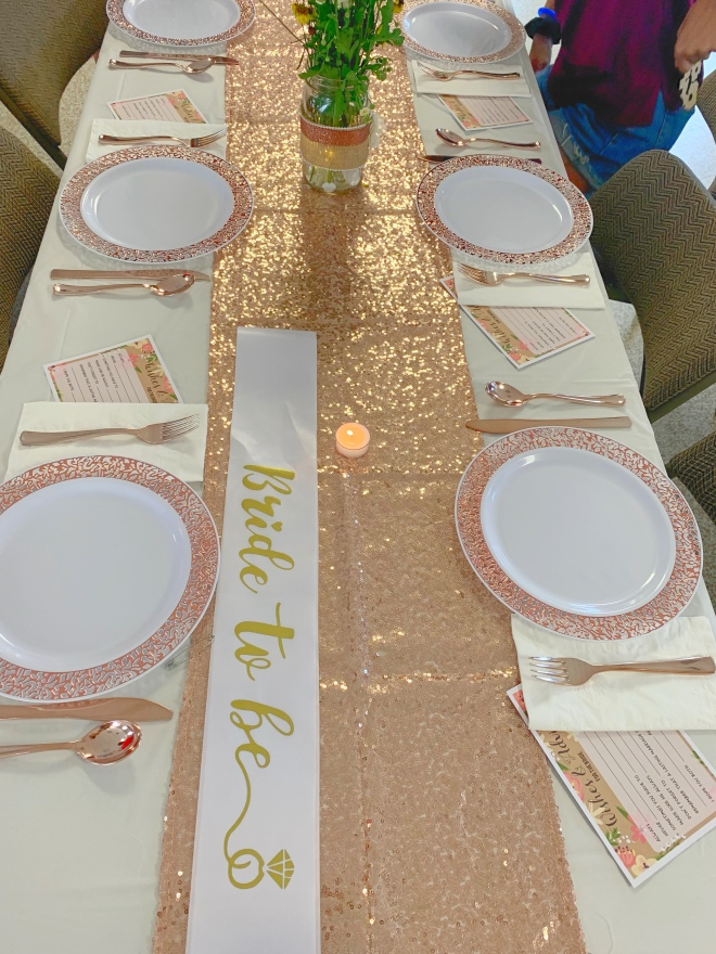 bridal shower table idea