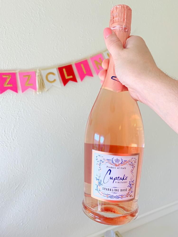 sparkling rose wine